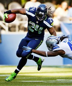 Marshawn Lynch is my favorite to watch!!! Every game I end up cracking up when he pushes a group of 6 or 7 big ass players backwards. Beast mode.