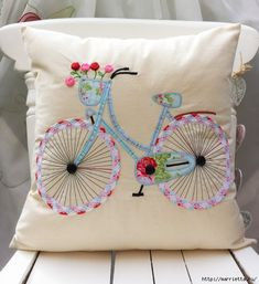 Fahrrad Kissen Kissenhülle Cath Kidston andere Stoff von FullColour Bicycle Cushion Cushion Cover Cath Kidston other fabric by FullColour Applique Cushions, Sewing Pillows, Diy Pillows, Decorative Pillows, Throw Pillows, Pillow Ideas, Fabric Crafts, Sewing Crafts, Sewing Projects
