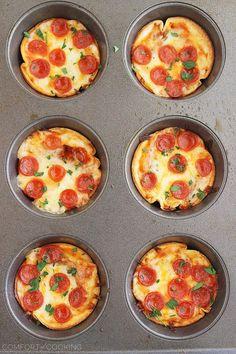 Easy Mini Tortilla Pizzas – These crisp and gooey pizzas just need 4 ingredien. Easy Mini Tortilla Pizzas – These crisp and gooey pizzas just need 4 ingredients and 10 minutes. Tortilla Pizza, Tortilla Chips, Tortilla Recipe, Pizza Cups, Muffin Tin Pizza, Muffin Tins, Mini Muffin, Pizza Bites, Pizza Pizza