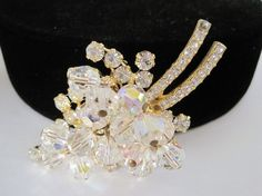 Fabulous and remarkable Juliana Crystal Dangle Brooch that is a verified D and E Rhinestone brooch.