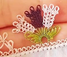 Broom Flower Needle Lace Making Lace Making, Flower Making, Filet Crochet, Knitting Needles, Hand Knitting, Lace Bridal, Finger, Honeysuckle Flower, Guitar Neck
