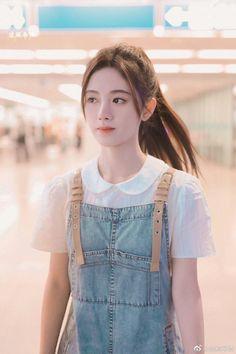 "Agak Vulgar ceritanya""ψ(`∇')ψ fiksi in fiksiremaja Pretty Korean Girls, Korean Beauty Girls, Cute Korean Girl, Cute Asian Girls, Beauty Full Girl, Cute Girls, Beautiful Chinese Girl, Cute Japanese Girl, Beautiful Girl Image"
