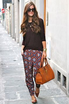 Brenna in patterned slouchies, fluid pullover and pointy toe flats. Relaxed, Elegant and Non-Denim.