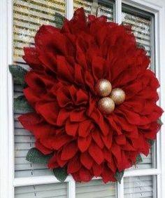 25 Beautiful Christmas Wreaths More 25 Beautiful Christmas Wreath Christmas Wreaths To Make, Easy Christmas Crafts, Holiday Wreaths, Christmas Projects, Simple Christmas, Winter Christmas, Christmas Ornaments, Christmas Ideas, Glitter Ornaments