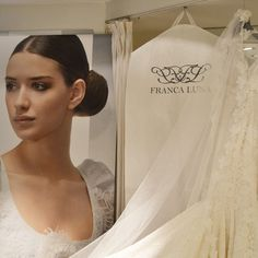 Preciosos #guardatrajes de #novia que hemos hecho para la #tienda de #vestidosdenovia Franca Luna