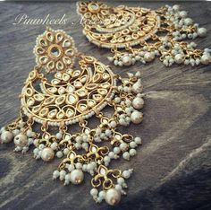 Love the golden beads amidst thr pearl seed beads. Pakistani Jewelry, Indian Wedding Jewelry, Bridal Jewelry, Indian Jewelry Earrings, India Jewelry, Jewelry Patterns, Fashion Jewelry, Jewelry Design, Ornaments