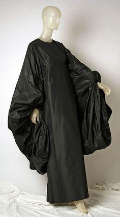 Dress, Evening Madame Grès (Alix Barton) (French, Paris Var region) Date: Culture: French Medium: silk Madame Gres, Weird Fashion, 90s Fashion, High Fashion, Fashion Show, Fashion Design, Vintage Outfits, Vintage Dresses, Vintage Fashion