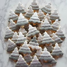 Here are the best Christmas Cookies decorations ideas for your inspiration. These Christmas Sugar Cookies decorated with royal icing are cutest desserts. Christmas Tree Cookies, Christmas Sweets, Noel Christmas, Christmas Goodies, Holiday Cookies, Christmas Baking, Christmas Crafts, Holiday Baking, White Christmas