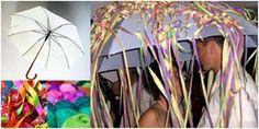 Der Regenschirmtanz ist ein beliebtes und spaßiges Hochzeitsspiel, um eine Hochzeitsfeier aufzulockern und Gäste mitzureißen.