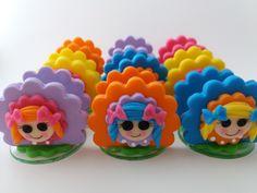 Porta-Guardanapos em base de acrílico decorados com biscuit tema Bonecas Lalaloopsy.