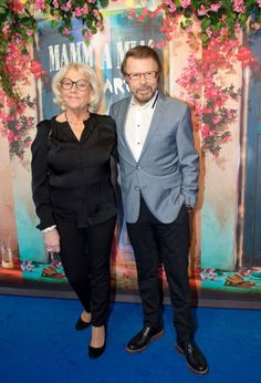 """On January 20 , officially inaugurated """" Mamma Mia! The Party """". The big surprise was that the four members of ABBA were there, is the group's first meeting since the premiere of the film """"Mamma Mia!"""" at Stockholm on July 4, 2008.  Björn and Lena Kallersjö. ( 2016 )"""