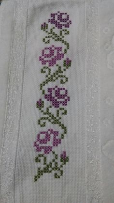 Cross Stitch Borders Cross Stitch Animals Cross Stitch Flowers Cross Stitch Designs Cross Stitch Patterns Hobbies And Crafts Blackwork Bead Weaving Needlepoint Cross Stitch Boarders, Cross Stitch Fruit, Cute Cross Stitch, Cross Stitch Rose, Cross Stitch Animals, Cross Stitch Flowers, Cross Stitch Designs, Cross Stitching, Cross Stitch Embroidery