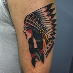 Tatuagem de india colorida feita por Bruna Yonashiro no estilo old school. - Tatuagem de india colorida feita por Bruna Yonashiro no estilo old school. Dream Tattoos, New Tattoos, Body Art Tattoos, Tattoos For Guys, Sleeve Tattoos, Indian Girl Tattoos, Tattoo Tradicional, Old School Style, Old School Tattoo Designs