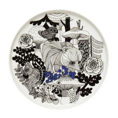 Veljekset Dessert plate - Ø 20 cm Veljekset / White, Black & Blue by Marimekko - Design furniture and decoration with Made in Design Marimekko, Teapot Design, Side Plates, Textile Prints, Decoration, Boho Decor, Stoneware, Decorative Plates, Carving