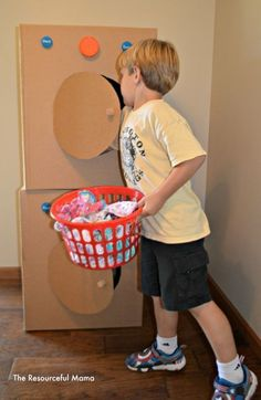 laundry day pretend play :: home corner :: dramatic play for preschool
