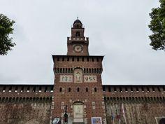 New post on my blog http://rompiballeontheroad.blogspot.co.uk/  #Milano #Milan #Italy #tour #travel #travelling #viaggi #city #citybreak #stazionecentrale #expo #expo2015 #architecture #castle #castellosforzesco
