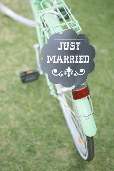 A Thrifted or Vintage Bicycle for a Whimsical Touch to a Beautiful Country Wedding Diy Wedding Decorations, Wedding Themes, Wedding Styles, Wedding Venues, Wedding Ideas, Wedding Signs, Aqua Wedding, Whimsical Wedding, Dream Wedding
