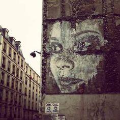 """Vhils à la """"Nuit Blanche 2013"""" Paris XI"""