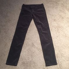 Unworn Courderoy jeans Grey Courderoy pants.  Never worn. Size 6 Kut from the Cloth Jeans Skinny