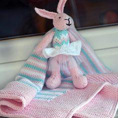 Πλεκτό σετ για νεογέννητο από καθαρό βαμβάκι.  Κουβερτακι και λαγός με βελόνες.  Идея для подарка новорожденным. Плед и кролик спицами из хлопка.  Olga Khopshanosova (@olga.knit.bake) в Instagram:  knitted blanket, rabbit cotton Knitted Blankets, Knitting Ideas, Rabbit, Cotton, Instagram, Bunny, Rabbits, Bunnies, Knit Blankets