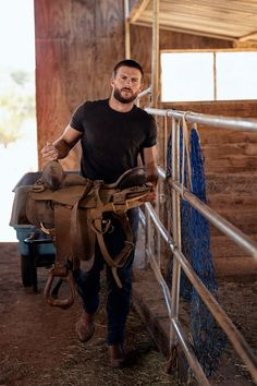 Hot Country Men, Cute Country Boys, Scott Eastwood, Stevie Nicks Young, Cowboy Boot Outfits, Cowboys Men, Cute Actors, Gorgeous Men, Hot Guys