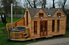 This guy Built Mobile Hot Tub Tiny House - Messy Mag
