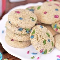 80-calorie Funfetti Sugar Cookies - sweet, soft and totally guilt free!