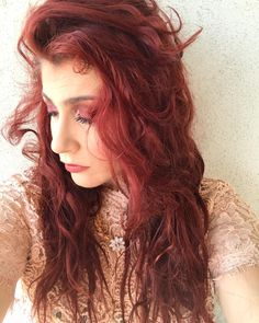 Mood del giorno -> choccaldoproprio #consiglidimakeup #redhair #redhairgirls #redhairdontcare #longhairdontcare #longhair #red #redhairday #redheads #longhair #selfie #me #beautyblogger #beauty #ibbloggers #messyhair #red