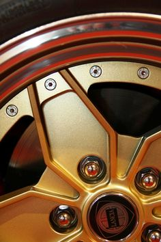 Lancia Stratos Rims And Tires, Mercedes Benz Logo, Hub Caps, Wheel Cover, Car Wheels, Car Brands, Cool Cars, Motors, Transportation