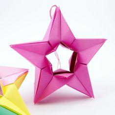 Modular origami star by @izirta tutorial linked in my bio #origami #star #origamistar #paperfolding #paperkawaii #instaorigami #foldoftheday #christmasornaments #christmasorigami