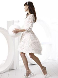 """Robe """"Francesca"""" du créateur italien Spose di Gio, en exclusivité chez Nuit Blanche Paris.  Guipure de coton et organza de soie."""