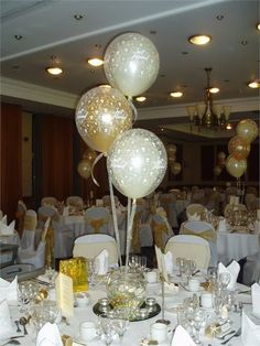 Table decoration from Appealing Balloons and Events - Appealing Balloons and Events
