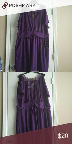 Torrid Cold Shoulder, V-neck, Sheer Back Dress Torrid Cold Shoulder, V-neck, Sheer Back Dress, Sz 4, with pockets torrid Dresses Midi