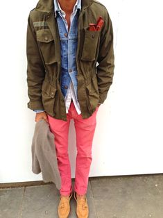Chinos from Topman, White shirt from HM, Loafers in suede from Uterque, Vintage military field jacket and denim jacket from Levi's, Cashmere scarf and leather driving gloves from Florence Brown Trench Coat Mens, Military Field Jacket, Military Style, Types Of Jackets, Men's Jackets, Field Jackets, Casual Jackets, Herren Style, Men Closet