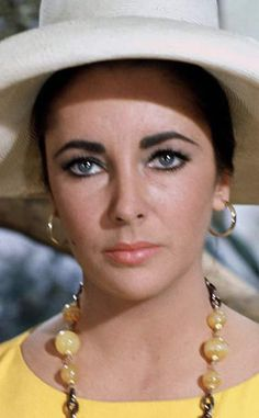 "Elizabeth Taylor in ""The Sandpiper"" (1965)"