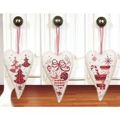 Red Holiday Hearts - Cross Stitch, Needlepoint, Embroidery Kits – Tools and Supplies