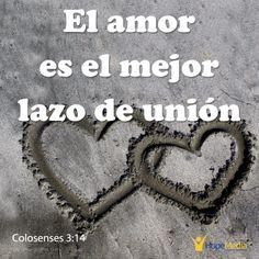 """El amor es reflejo del carácter de Dios. De hecho, Jesús dio un mandamiento """"nuevo"""" a sus discípulos en Jn 13:34-35: """"Ámense de la misma manera que yo los amo. Si se aman de verdad, entonces todos sabrán que ustedes son mis seguidores"""" (Amar no era nuevo, pero si la forma de hacerlo: amar como Jesús ama. Él es nuestro referente). Así que el amor debería ser un rasgo distintivo en los cristianos, ya que """"El que no ama no conoce a Dios porque Dios es amor """"(1ºJn 4:8). (EAF) HopeMedia.es"""