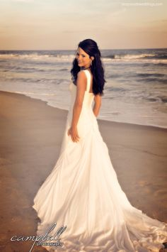 Beautiful!!!!!!!!!!!  Beach Bride, bridal portrait, bride, sunset