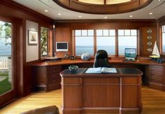 SV-Design-wood-clad-workspace-with-nautical-views-600x416-e1432899549562.jpg 550×381 ピクセル