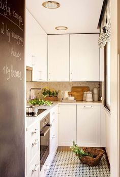gray and white kitchen decor and black paint for door decoration Small kitchen design and redesign projects call for efficient and smart space planning Smart Kitchen, Small Kitchen Storage, Narrow Kitchen, Diy Kitchen, Kitchen Cabinets, Kitchen Ideas, Kitchen Planning, Kitchen Walls, Kitchen Nook