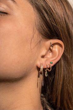 Piercing Anti Helix, Bijoux Piercing Septum, Pretty Ear Piercings, Ear Piercings Cartilage, Tongue Piercings, Ears Piercing, Unique Piercings, Forward Helix Piercing, Double Piercing
