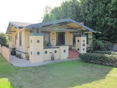 A list of Ventura Landmark properties as of 2011 Craftsman Exterior, Craftsman Bungalows, Craftsman Style, Ventura California, California Bungalow, Clapboard Siding, Porch Roof, Building Plans, Bay Window
