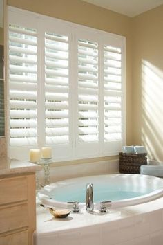 10 Convenient Cool Tips: Bathroom Blinds House bathroom blinds house.Vertical Blinds No Sew patio blinds interiors.Blinds For Windows With Oak Trim. Bathroom Window Treatments, Interior Windows, Indoor Shutters, Home, Bathroom Window Coverings, Bathroom Windows, House Blinds, Bathroom Design, Bathroom Blinds