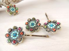 Lovely Vintage Hair Clip style Flower Gold Hair Clip, hair pin, for your hair or scarf, Amazing Vintage Style Pin, Bobby Pins http://etsy.me/2Criq5A #accessories #hair #rainbow #blue #rhinestonepins #clip #bobbypin