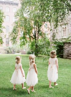 flower girls Bridesmaid Dress Colors, Bridesmaid Flowers, Brides And Bridesmaids, Boho Chic, Rustic Chic, Flower Girl Outfits, Wedding Bride, Wedding Dresses, Chic Wedding