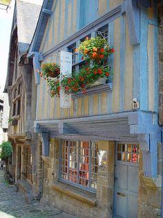 Unser Ziel: Bretagne - Dinan by Ela2007, via Flickr