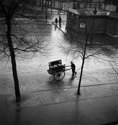 Émile Savitry - Coalman, Saint-Jacques boulevard, Paris, 1940s From Émile Savitry 1903-1967 - Un Photographe de Montparnasse