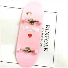 ファッションブランドMOSCHINOオリジナルギャグ個性スケートボードiPhone7/7 Plus/6sケース