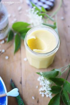 Elderflower Curd- Holunderblüten-Curd fruity elderflower curd made from elderberry syrup - Chutneys, Lemond Curd, Vegetable Drinks, Elderflower, Healthy Eating Tips, Healthy Nutrition, Cookies Et Biscuits, Food Inspiration, Sweet Recipes