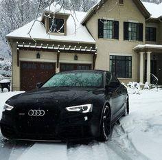 Audi RS5 Black More